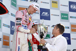 Podium: ganador, Maximilian Günther, Prema Powerteam Dallara F317 - Mercedes-Benz