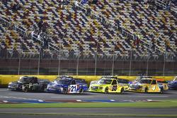 Johnny Sauter, GMS Racing, Chevrolet Silverado ISM Connect and Brett Moffitt, Hattori Racing Enterprises, Toyota Tundra