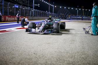 Valtteri Bottas, Mercedes-AMG F1 W09 on the grid
