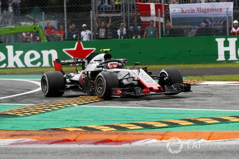 Kevin Magnussen, Haas F1 Team VF-18, salta en los bordillos