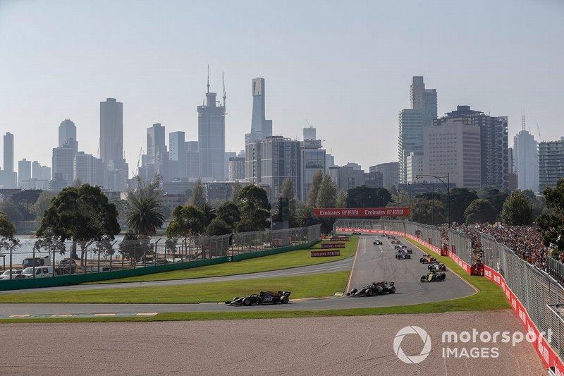 Kevin Magnussen, Haas F1 Team VF-19, Romain Grosjean, Haas F1 Team VF-19, Nico Hulkenberg, Renault F1 Team R.S. 19, Kimi Raikkonen, Alfa Romeo Racing C38, y Lando Norris, McLaren MCL34