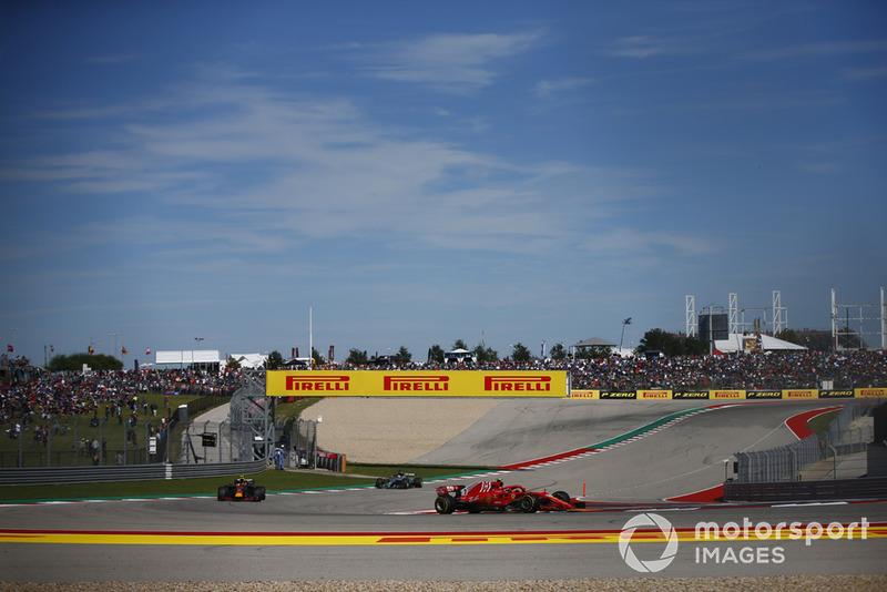 Hamilton cree que la diferencia con Verstappen es demasiada