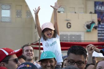 Small Lewis Hamilton, Mercedes AMG F1, fan
