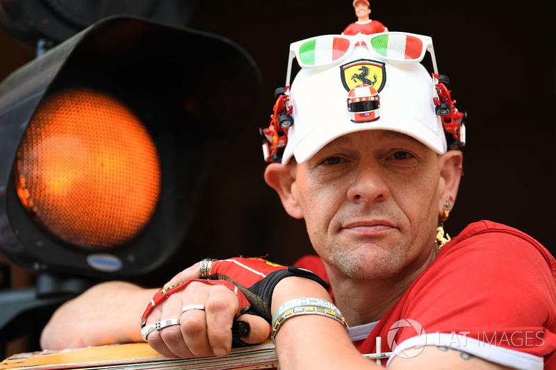 Уболівальник Ferrari