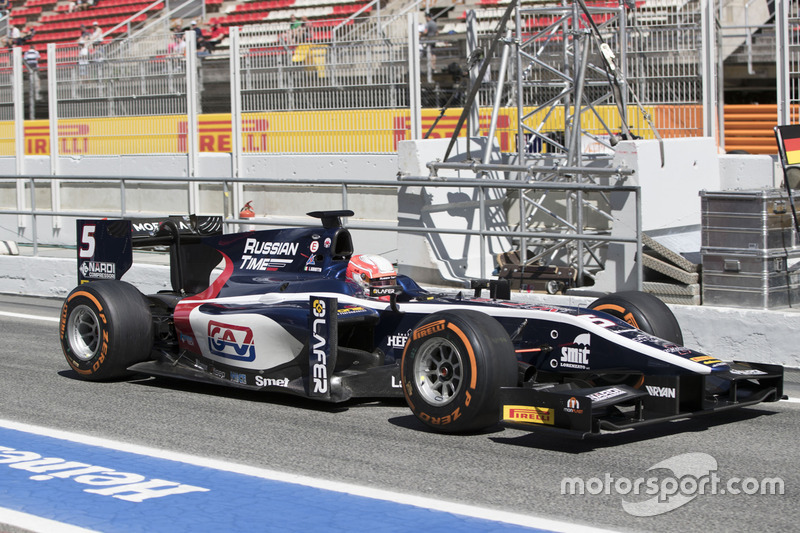 Luca Ghiotto, RUSSIAN TIME drives through the pitlane