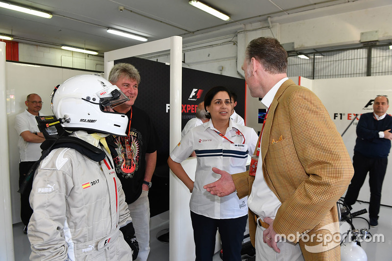 F1 Experiences 2-Seater passenger, Monisha Kaltenborn, Sauber Team Prinicpal and Sean Bratches, Formula One Managing Director, Commercial Operations