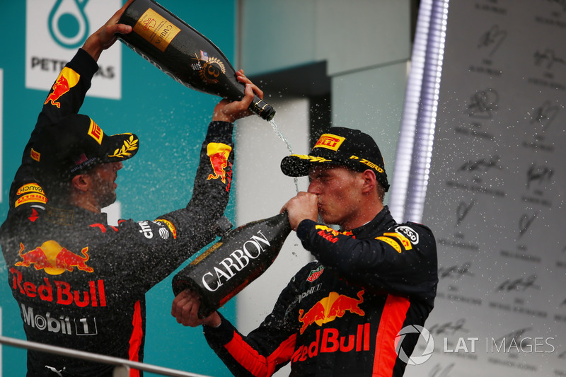 third place Daniel Ricciardo, Red Bull Racing, Max Verstappen, Red Bull Racing, race winner, celebrate, Champagne on the podium