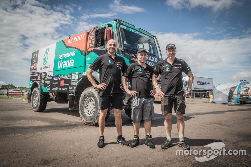 #525 Team De Rooy, IVECO: Wulfert Van Ginkel, Bert Van Donkelaar, Erik Kofman