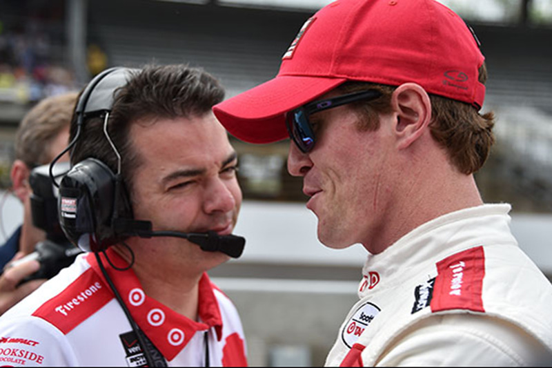 Скотт Діксон, Chip Ganassi Racing Chevrolet, та його гоночний інженер Кріс Сіммонс