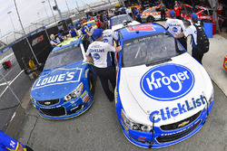 Jimmie Johnson, Hendrick Motorsports Chevrolet, A.J. Allmendinger, JTG Daugherty Racing Chevrolet