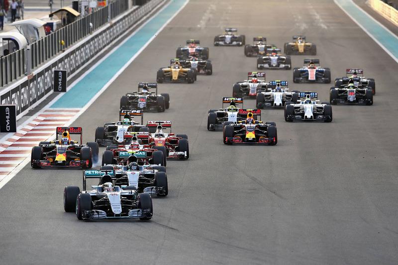 9. Lewis Hamilton, Mercedes AMG F1 W07 Hybrid líder en la arrancada