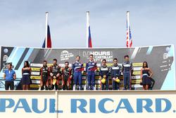 Podium: winners Matevos Isaakyan, Egor Orudzhev, SMP Racing, second place Memo Rojas, Nicolas Minassian, Leo Roussel, third place William Owen, Hugo Sadeleer, Filipe Albuquerque, United Autosports
