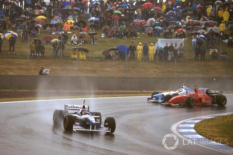 Jacques Villeneuve, Williams FW18 Renault ve Michael Schumacher, Ferrari F310 ve Jean Alesi, Benetto