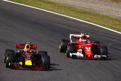Max Verstappen, Red Bull Racing RB13, Kimi Raikkonen, Ferrari SF70H