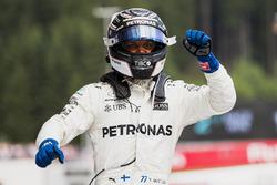 Победитель гонки Валттери Боттас, Mercedes AMG F1