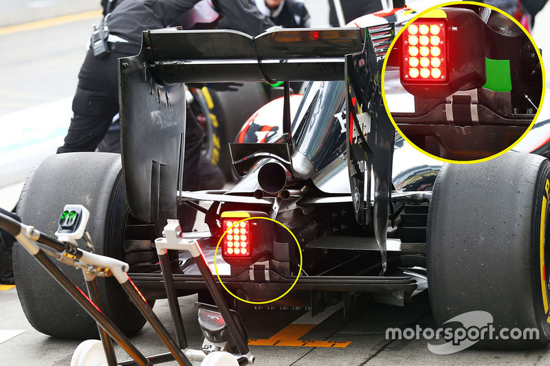 Задняя часть машины McLaren MP4-31