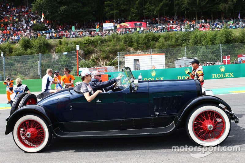 Esteban Gutierrez, Haas F1 Team on the drivers parade