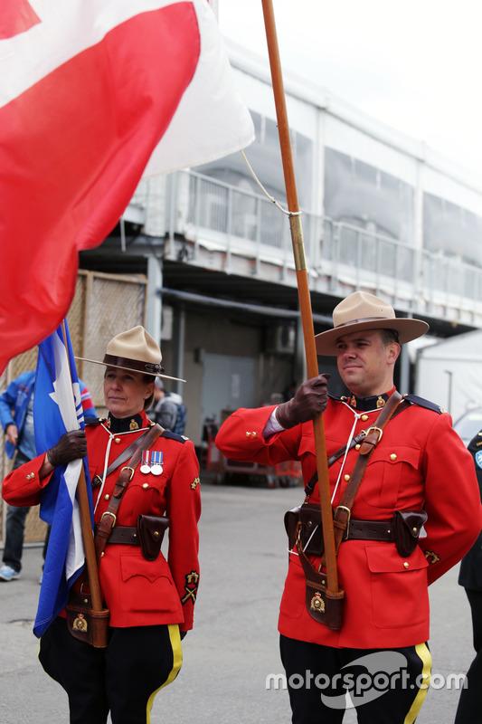Канадська кінна поліція