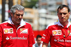 Maurizio Arrivabene, Ferrari-Teamchef, mit Riccardo Adami, Ferrari-Renningenieur