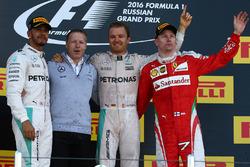 Подиум: победитель - Нико Росберг, Mercedes AMG F1 Team, второе место - Льюис Хэмилтон, Mercedes AMG F1 Team, третье место - Кими Райкконен, Ferrari