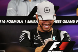 Lewis Hamilton, Mercedes AMG F1 en la Conferencia de prensa FIA