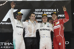 Podium: Segundo, Lewis Hamilton, Mercedes AMG F1, ganador, Valtteri Bottas, Mercedes AMG F1, tercero, Sebastian Vettel, Ferrari