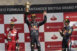 Podium: Race winner Mark Webber, Red Bull Racing, second place Fernando Alsono, Ferrari, third place Sebastian Vettel, Red Bull Racing