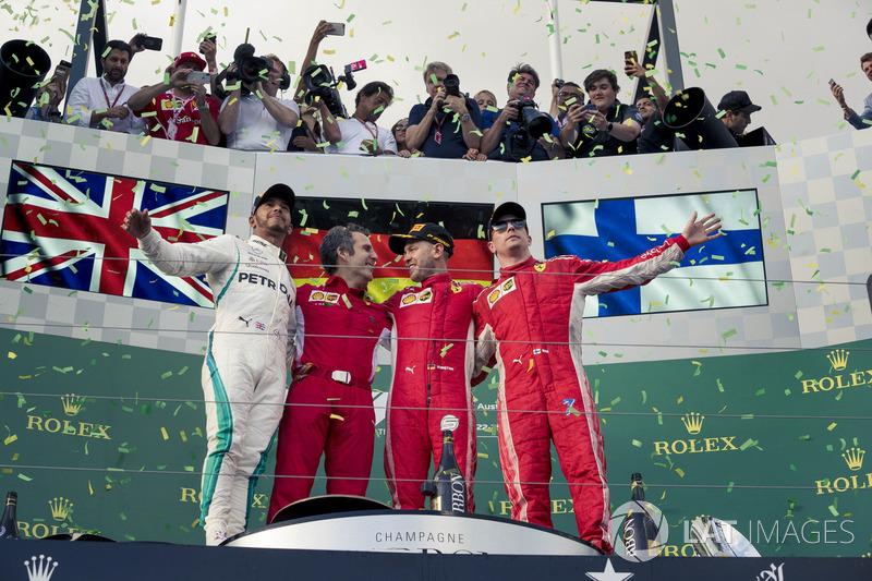 Lewis Hamilton, Mercedes-AMG F1, Inaki Rueda, Ferrari Race Strategist, Sebastian Vettel, Ferrari and