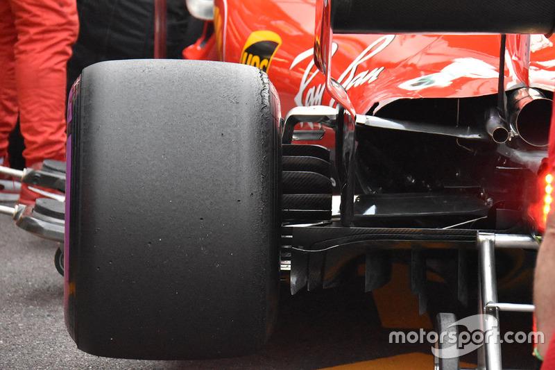 Vue détaillée de l'arrière de la Ferrari SF71H
