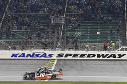 Noah Gragson, Kyle Busch Motorsports, Toyota Tundra Safelite AutoGlass celebrates his win