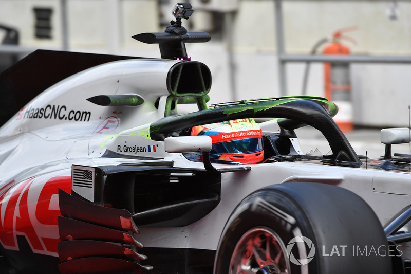 Romain Grosjean, Haas F1 Team VF-18 with aero paint on halo