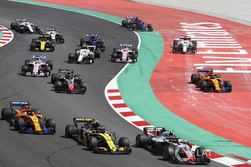 Partenza: Kevin Magnussen, Haas F1 Team VF-18, precede Carlos Sainz Jr., Renault Sport F1 Team R.S. 18, Fernando Alonso, McLaren MCL33 e Romain Grosjean, Haas F1 Team VF-18, mentre Stoffel Vandoorne, McLaren MCL33, e Marcus Ericsson, Sauber C37, vanno larg