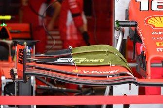Détails de l'aileron avant de la Ferrari SF90