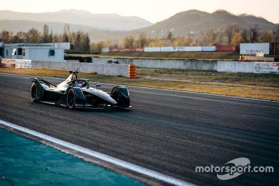 Mercedes áprilisi teszt