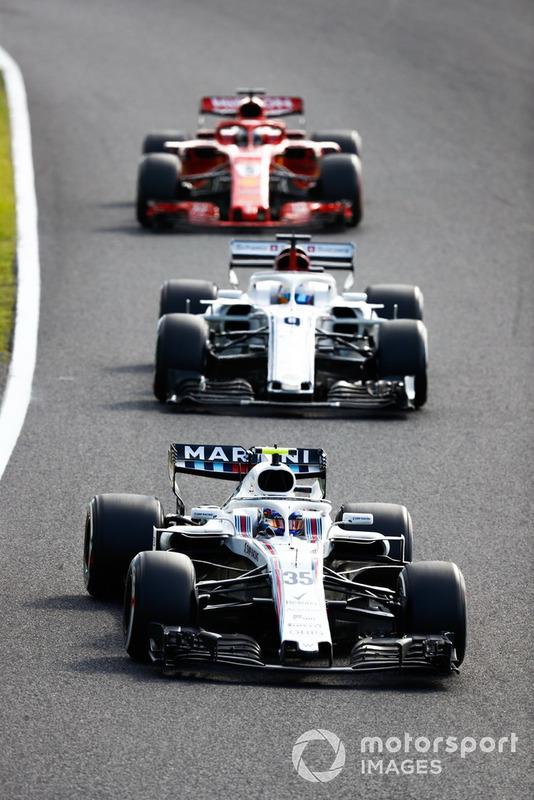 Sergey Sirotkin, Williams FW41, precede Marcus Ericsson, Sauber C37, e Sebastian Vettel, Ferrari SF71H