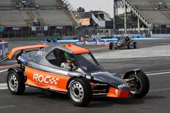 Benito Guerra con el ROC Car