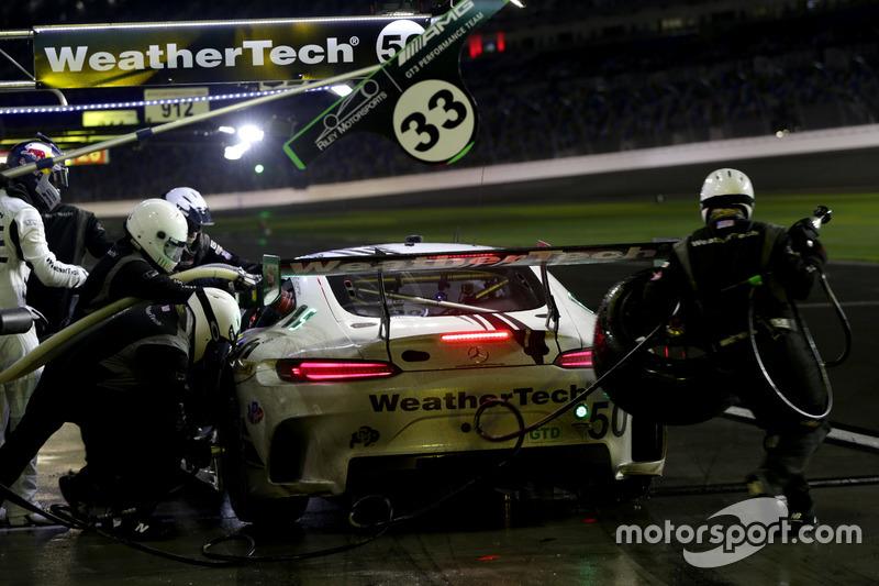Pitstop, #33 Riley Motorsports Mercedes AMG GT3: Jeroen Bleekemolen, Ben Keating, Mario Farnbacher,
