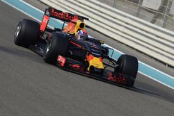 Тесты шин Pirelli 2017 года: Макс Ферстаппен, Red Bull Racing
