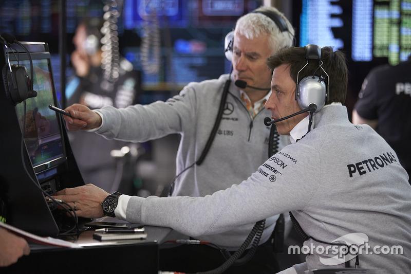 Geoff Willis, Technology Director, Mercedes AMG F1, Toto Wolff, Executive Director Mercedes AMG F1