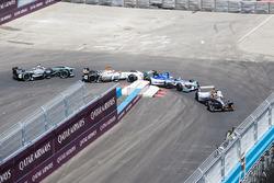 Jérôme d'Ambrosio, Dragon Racing, leads Antonio Felix da Costa, Amlin Andretti Formula E Team, Loic Duval, Dragon Racing, Adam Carroll, Jaguar Racing