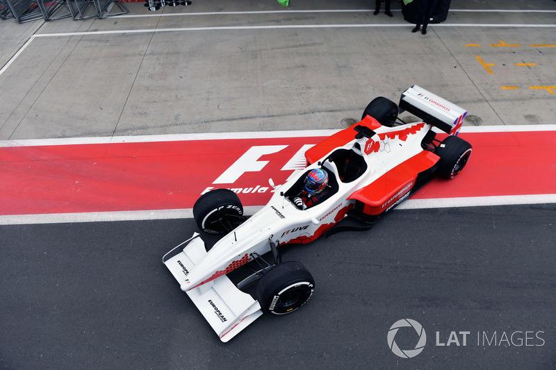 Пол ди Реста, пилот двухместной машины F1 Experiences