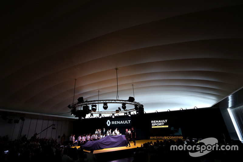 Kevin Magnussen, Renault F1 Team; Jolyon Palmer, Renault F1 Team und Esteban Ocon, Renault F1 Team