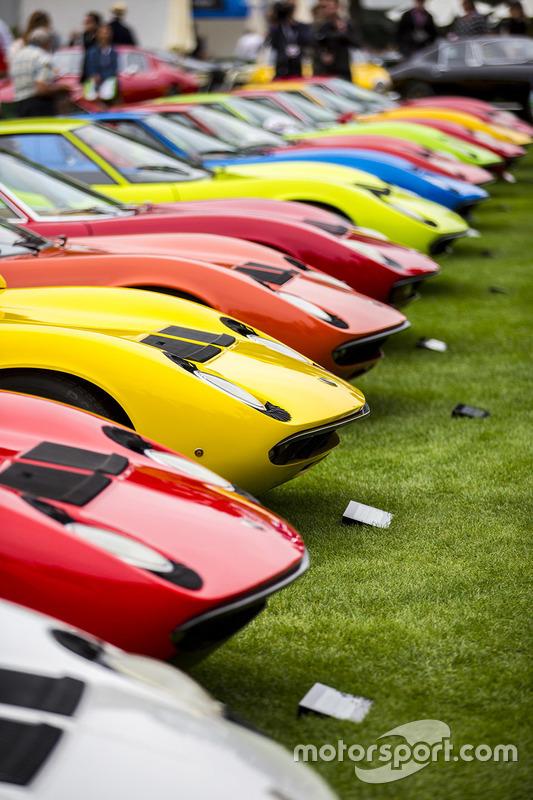Eine Reihe von Lamborghini Miura