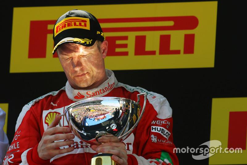 3: Гран Прі Іспанії, Барселона. Кімі Райкконен, Ferrari святкує друге місце на подіумі