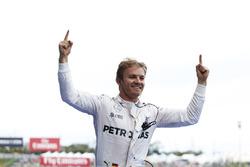 Ganador, Nico Rosberg, Mercedes AMG F1 W07 Hybrid