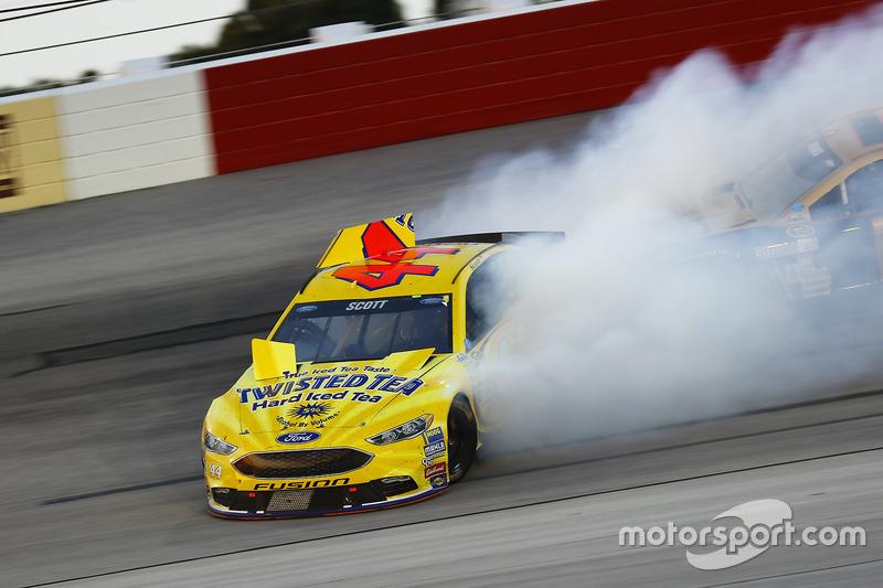 Brian Scott, Richard Petty Motorsports Ford in trouble