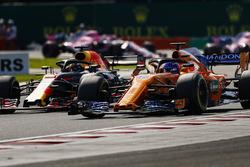 Фернандо Алонсо, McLaren MCL33, Даніель Ріккардо, Red Bull Racing RB14