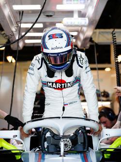 Sergey Sirotkin, Williams Racing, settles into his seat