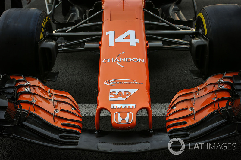 The nose and front wing detail of Fernando Alonso, McLaren MCL32
