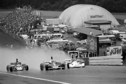 Start: Niki Lauda, Ferrari 312T, führt